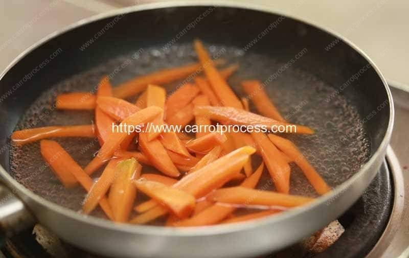 Steam-Carrots-Step-16-Steaming-in-Frying-Pan