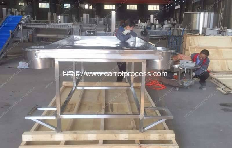 Stainless-Steel-Desk-with-Discharge-Oulet