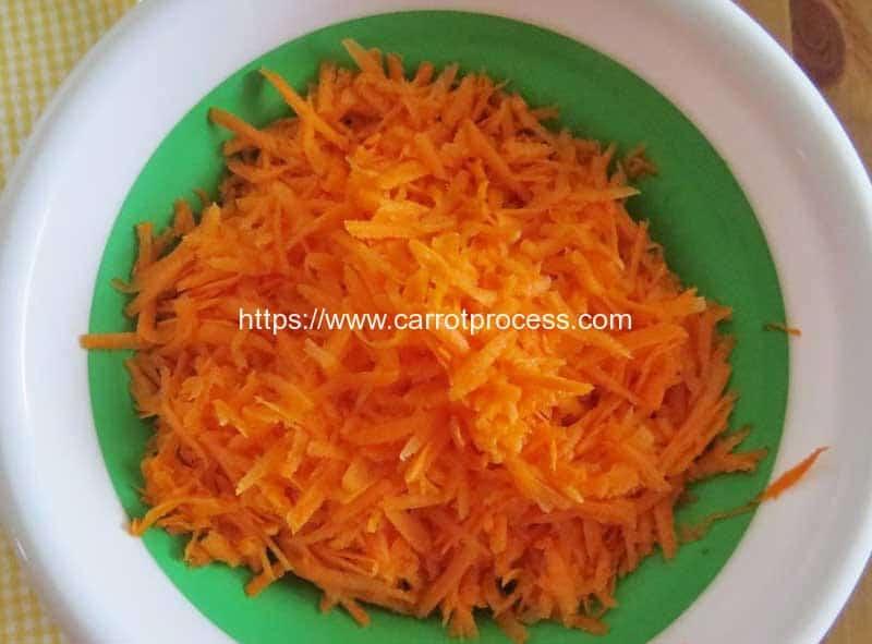 Carrot-Salad-Ingredient-Carrot-Grater