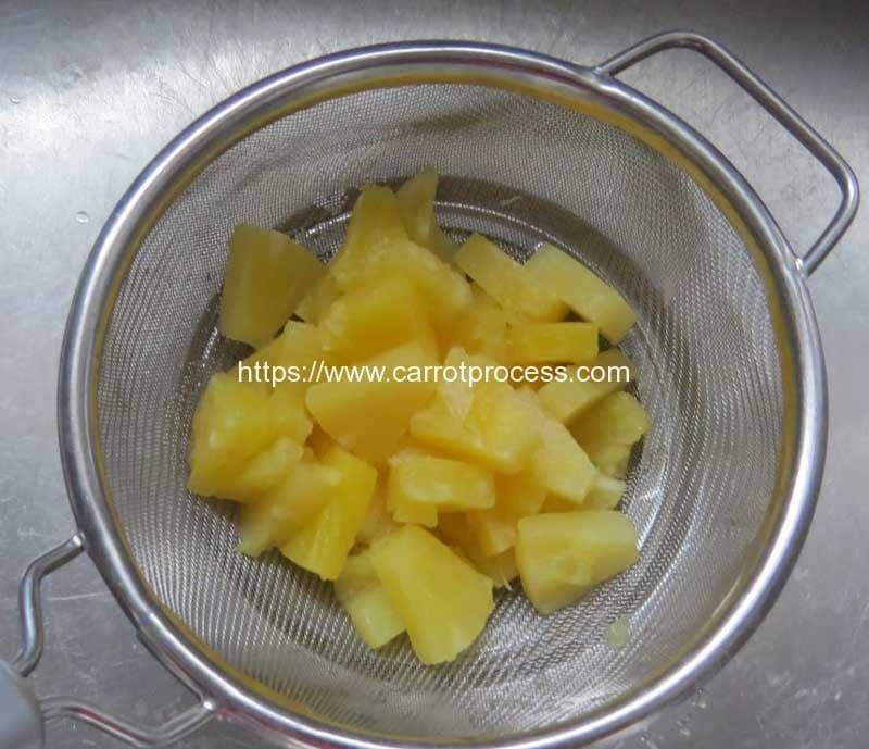 Carrot-Salad-Ingredient-Pineapple